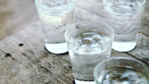 8 Glasses of Water a Day: Not Necessary | StyleCaster
