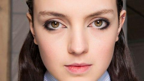 5 Tips for Applying Eyeliner to Your Bottom Lid   StyleCaster