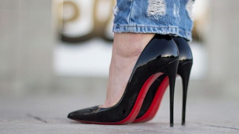 Now You Can 'Louboutinize' Your Photos | StyleCaster