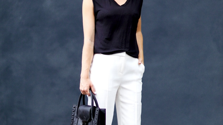 5 Foolproof Black and White Outfits to Wear to Work This Week