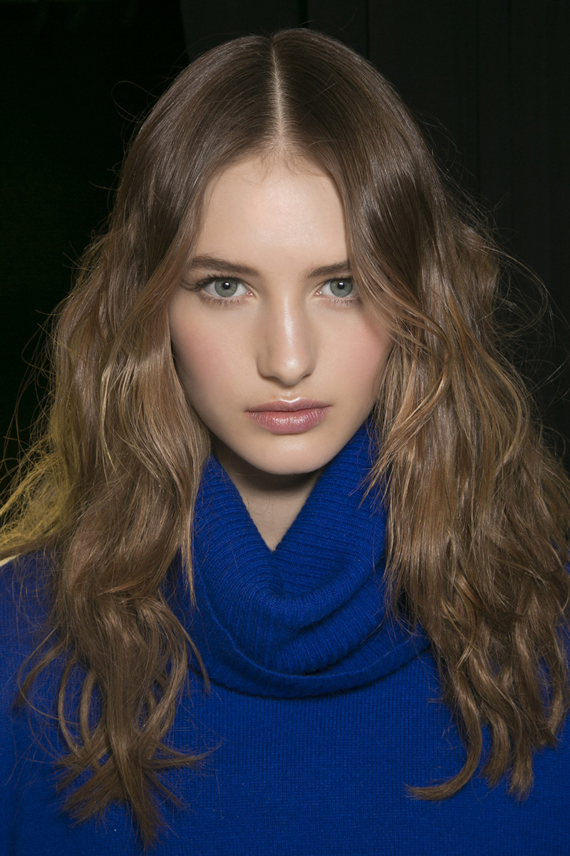 Anna-Sui-messy-waves