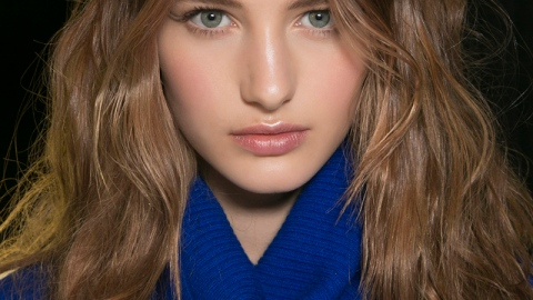 How to Score Perfectly Messy Waves | StyleCaster