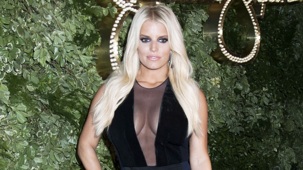 jessica simpson Cant Look Away: Jessica Simpson Slurs Her Speech and Seems Out of it on Live TV