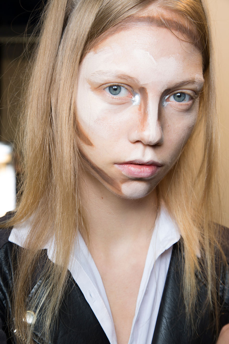 nyfw hood by air contouring Unblended Contouring Just Made Its Runway Debut at NYFW
