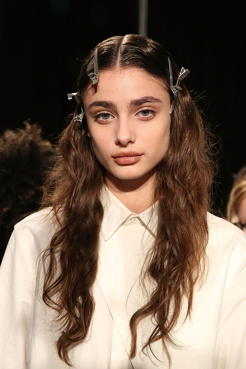 public school messy waves 3 Ways to Score Perfectly Messy Waves for Fall