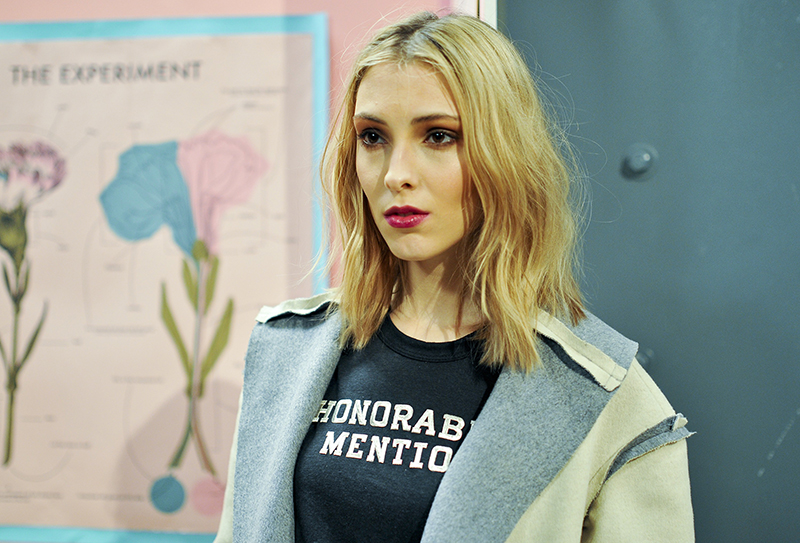 rachel antonoff messy waves 3 Ways to Score Perfectly Messy Waves for Fall