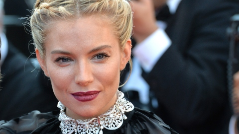 How Stars Really Get That Glowing Skin | StyleCaster