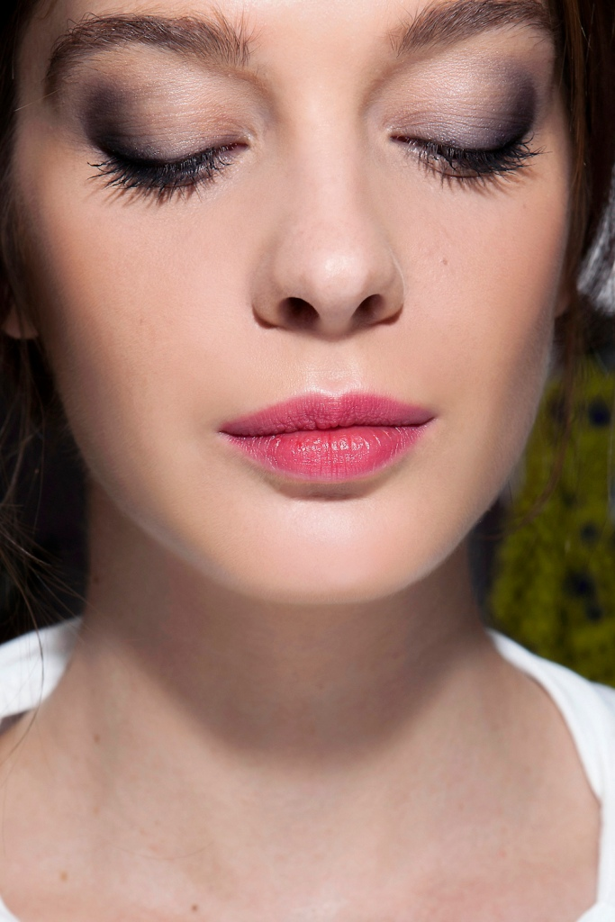 agnes b bbt s14 010 20 Makeup Tricks Everyone Should Know, From the Experts Themselves