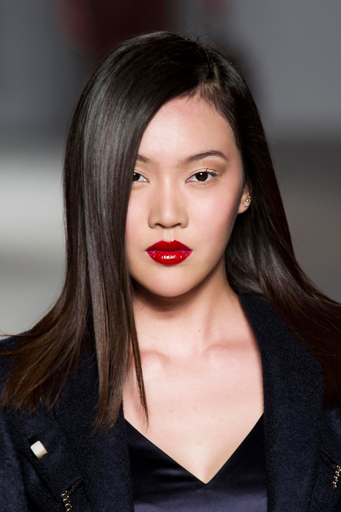 aigner bty f14 018 20 Makeup Tricks Everyone Should Know, From the Experts Themselves