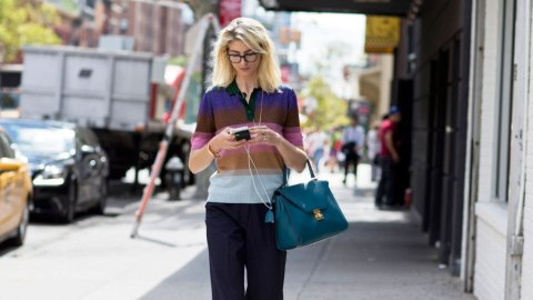 6 Crucial Tips for Anyone Using Dating Apps  | StyleCaster