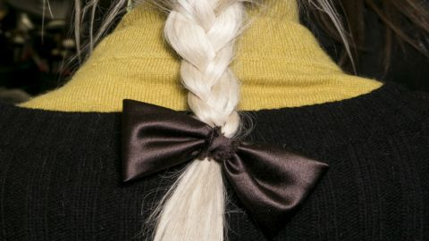 How to Make a Hair Bow Look Chic | StyleCaster