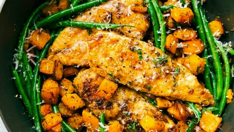 17 Easy Chicken Recipes That Don't Suck (And Are Perfect for Fall)   StyleCaster