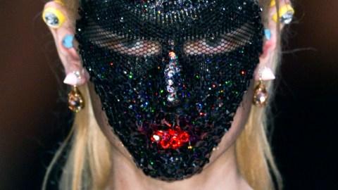 10 Essential Halloween Beauty Tricks | StyleCaster