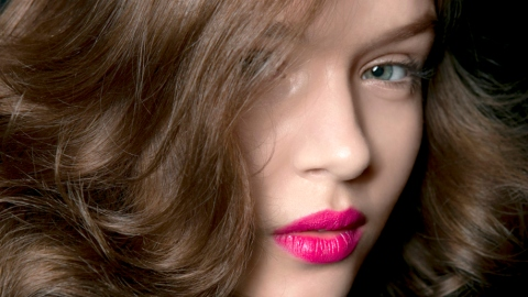 5 Ways to Beat Oily Hair Forever | StyleCaster