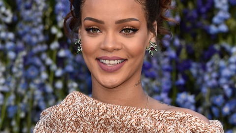 Celebs Are Making '90s Beauty Happen | StyleCaster