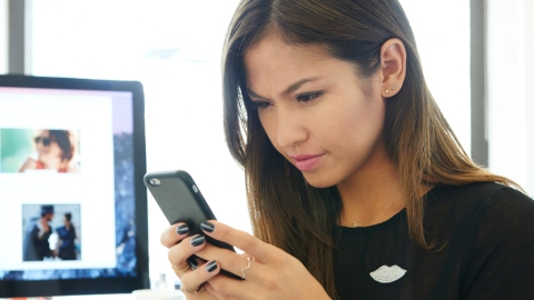 Your iPhone Is Ruining Your Skin | StyleCaster