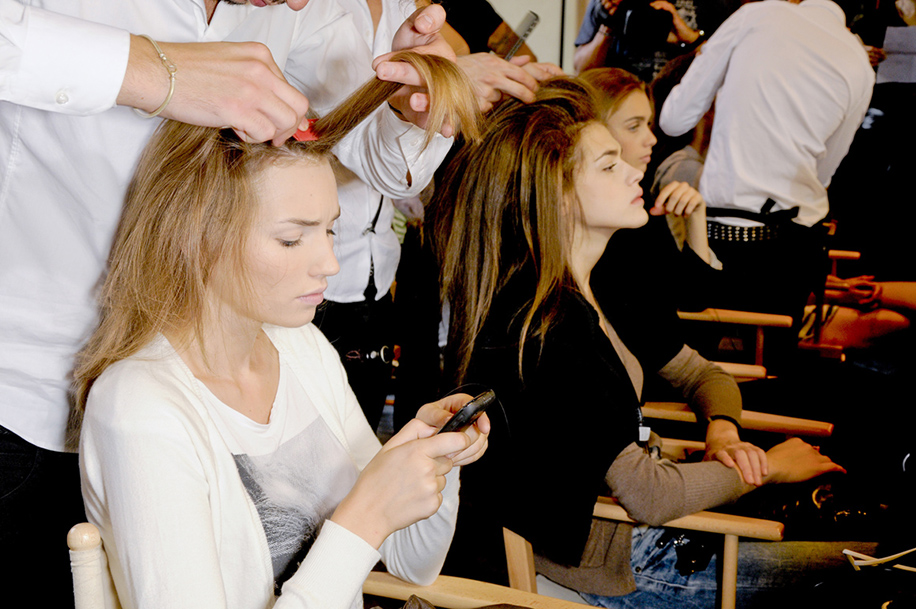 teasing hair Teasing Is Back—Heres How to Do It Without Totally Destroying Your Hair