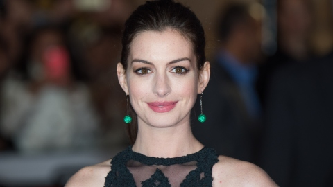 Anne Hathaway is Pregnant! | StyleCaster