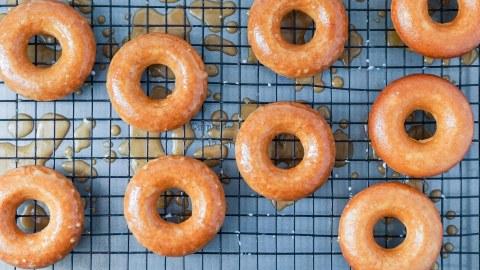 Apple Cider Donut Season Isn't Over Yet   StyleCaster