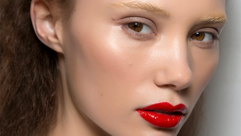 The Best Long-Lasting Lipsticks, According to Us | StyleCaster