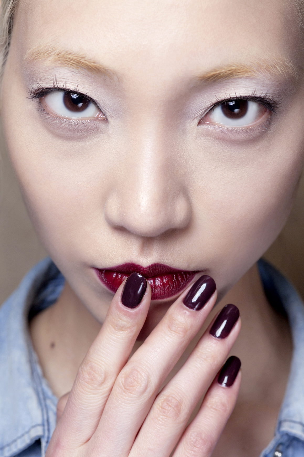 dark nails fall