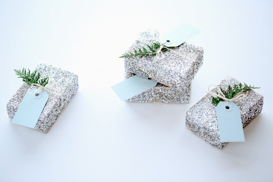 glitter boxes Suck at Wrapping? These Easy DIY Glitter Gift Boxes Make It Look Like You Tried