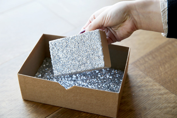 glittered boxes 6 Suck at Wrapping? These Easy DIY Glitter Gift Boxes Make It Look Like You Tried