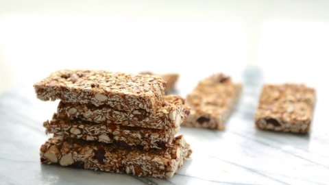 Start 2016 with This No-Bake Energy Bar Recipe | StyleCaster