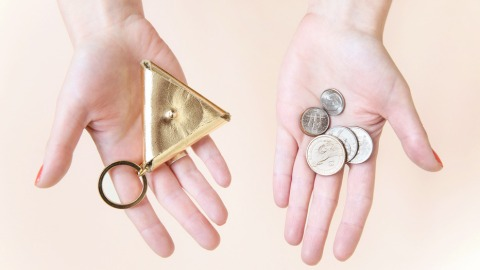 Weekend Project: This DIY Key Ring Coin Pouch | StyleCaster