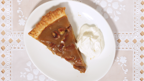 This Recipe Combines Two of Your Fave Thanksgiving Pies | StyleCaster
