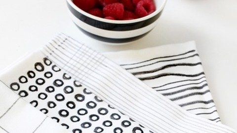 The Cool Graphic Napkins Your Kitchen Needs | StyleCaster