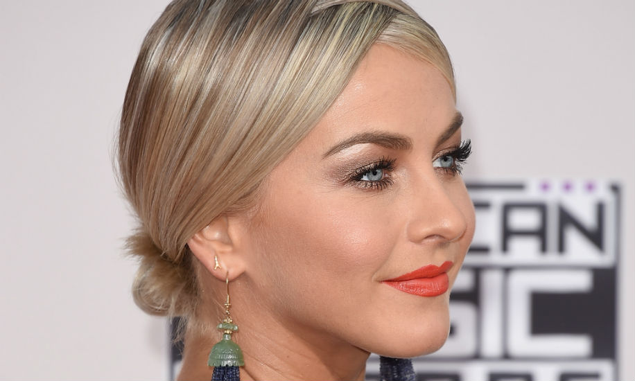 julianne1 The Best Hair at the American Music Awards: A Ranked Guide