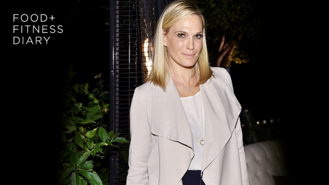The Food and Fitness Routine Molly Sims Swears By | StyleCaster