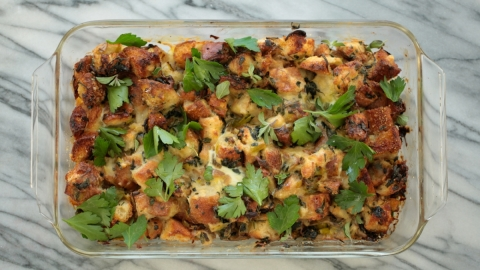 A Meat-Free Stuffing That'll Wow Guests at Thanksgiving | StyleCaster