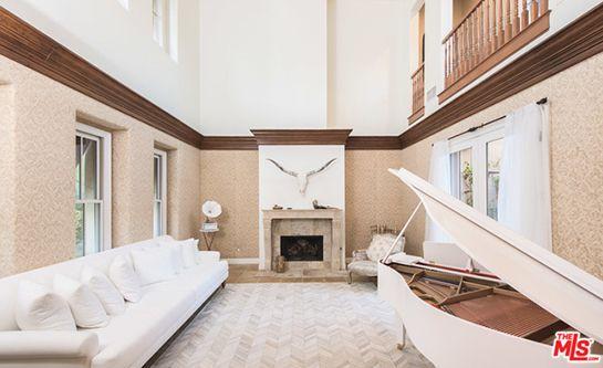 selena gomez living room grand piano