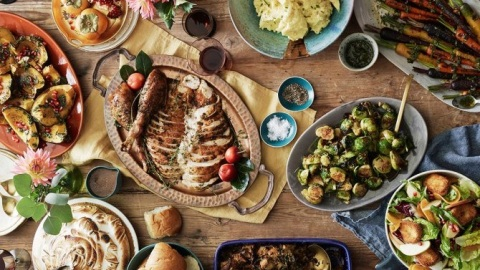 The Thanksgiving Traditions Our Editors Love | StyleCaster