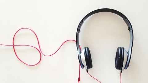 Can't Focus? Here's What You Should Listen To   StyleCaster