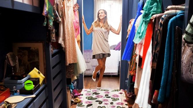 carrie bradshaw closet organization