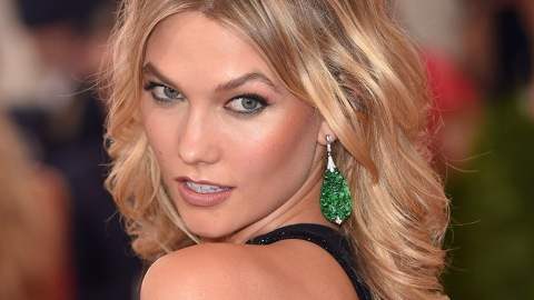Watch: Six Glorious Minutes of Karlie Kloss's Beauty Secrets | StyleCaster