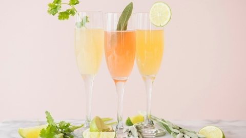 7 New Ways to Make a Mimosa | StyleCaster