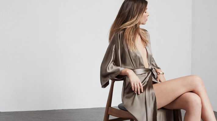 10 Gold Dresses to Boost Your New Years Eve Outfit Game