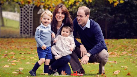 The Royal Family Portrait Is Next-Level Cute | StyleCaster