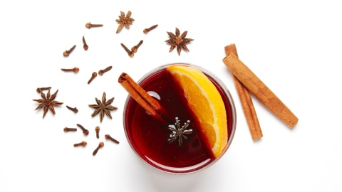 The Cocktail Recipe Your Holiday Party Needs | StyleCaster