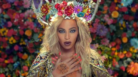 Beyoncé's a Bollywood Goddess in 'Hymn for the Weekend' Music Video | StyleCaster