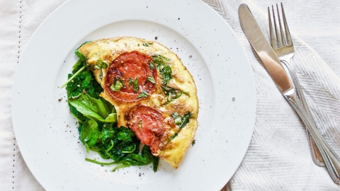 8 Amazing Omelet Recipes to Try This Weekend | StyleCaster