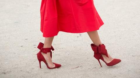 13 Ways to Wear Bows As a Grown Woman | StyleCaster