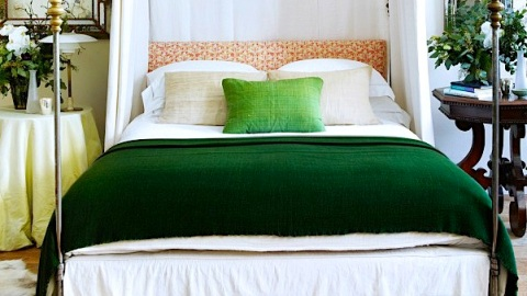 New Ways to Decorate with Hunter Green | StyleCaster