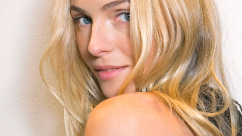 6 Excellent Heat-Protecting Sprays to Use on Wet or Dry Hair | StyleCaster