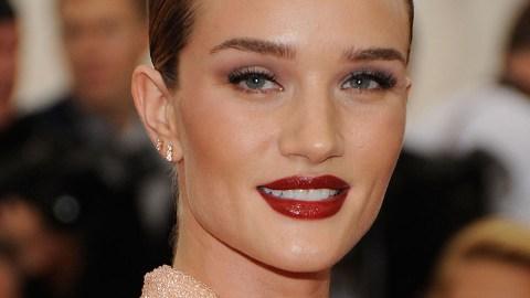 Rosie Huntington-Whiteley's Favorite Red Lipstick, Revealed   StyleCaster