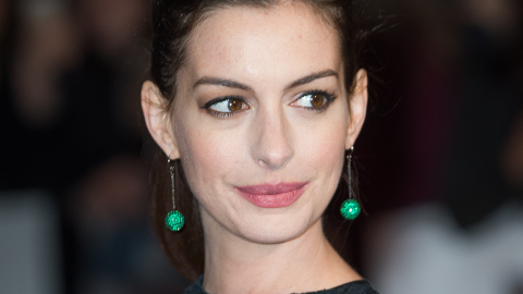 Anne Hathaway, Pregnant Lady, Went Blonde (Again!)   StyleCaster